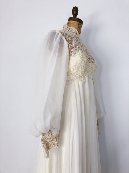 1970s Ivory Beaded Lace and Chiffon Long Sleeves Gown - XS/S