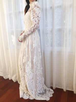 1950s Chantilly Lace Wedding Gown - XS/S