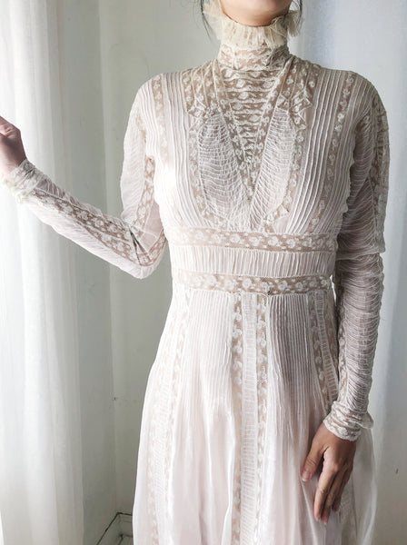Victorian Cotton and Lace Gown - XXS