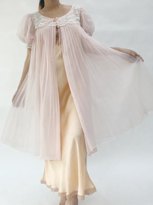 VTG Pink Pleated Puff Sleeve Dressing Gown - One Size