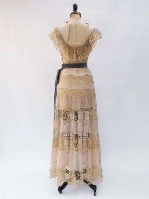 1930s Peach Pink Silk Chiffon and Lace Dress - S
