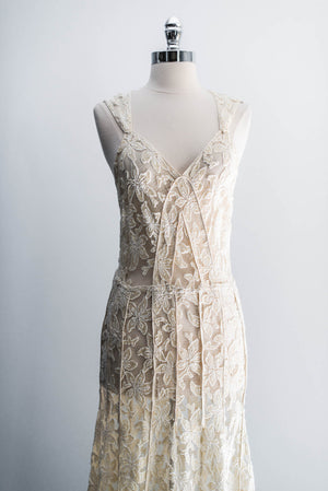 [SOLD] Cream Embroidered 3D Lace Gown