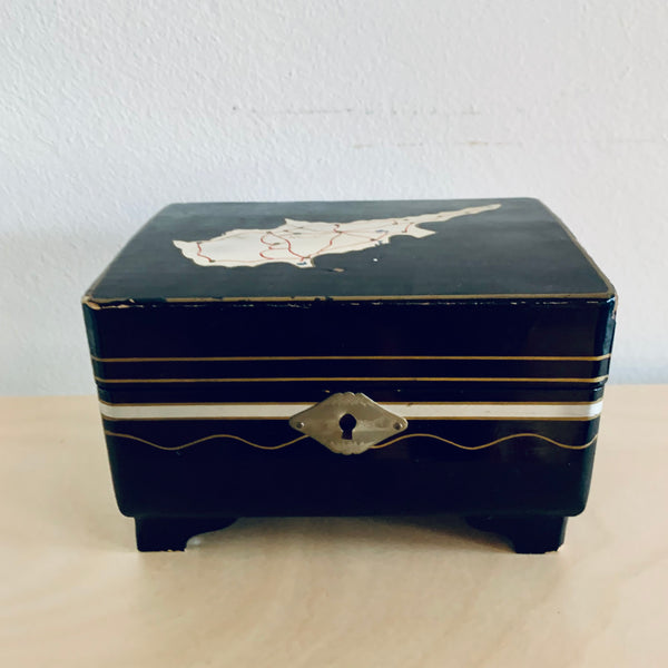 Wooden lacquered jewelry box - Cyprus