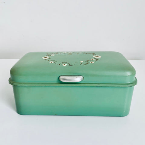 Metal cake or lunch box (soft green)