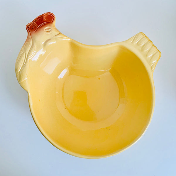 Chicken shaped bowl