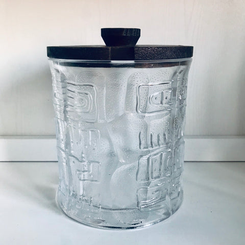 Sacandinavian design storage pot