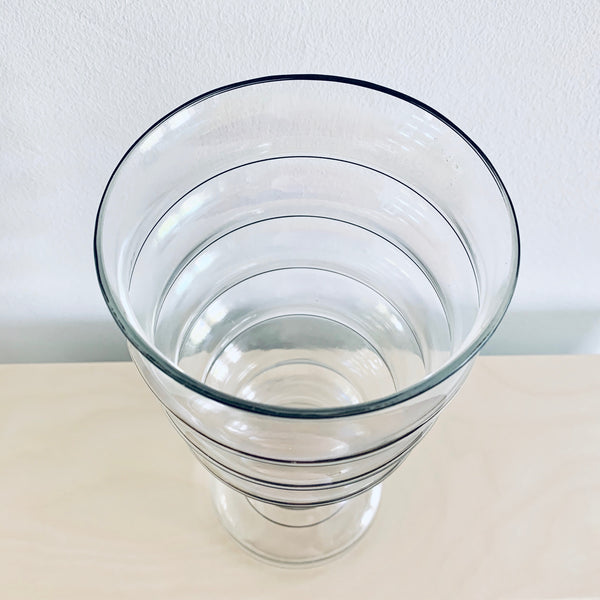 Glass vase (tall)