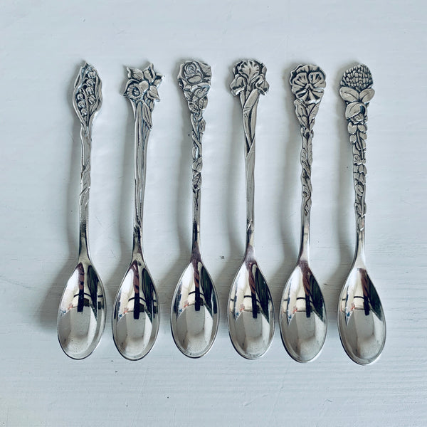 Silver plated spoons with flowers (12)