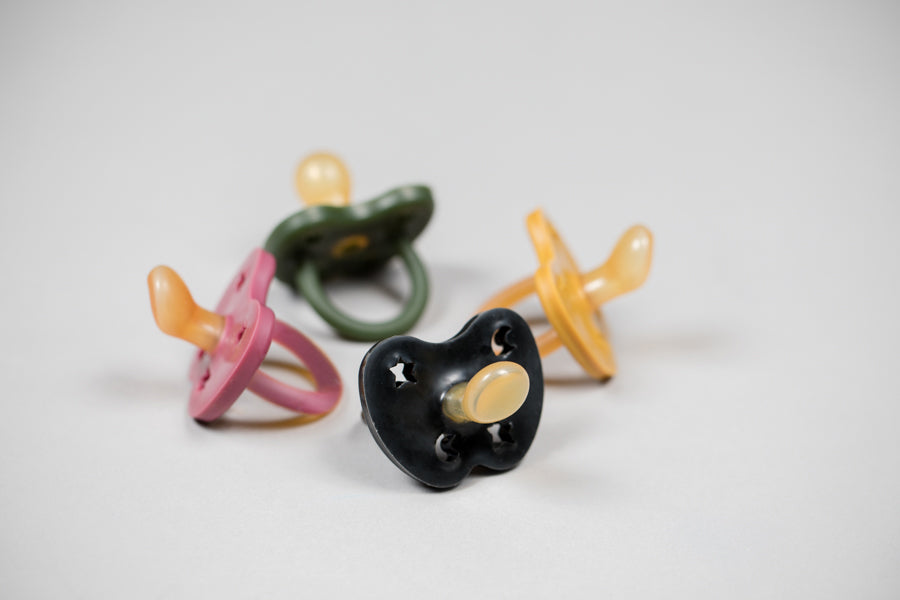 Colourful Pacifier 3-36 mth - Orthodontic in Outer Space Black
