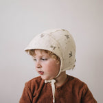 Pigeons Wide-brimmed Bonnet by Main Sauvage