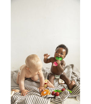 Load image into Gallery viewer, Ramona the Radish 100% Natural Rubber Teether by Oli & Carol