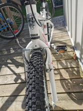 "Load image into Gallery viewer, Infinity HT24 CrazyHorse Mountain Bike 21 Speed with 24"" Tires (2018) - Light Use ($100 inc Tax)"