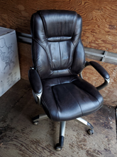 Load image into Gallery viewer, Sturdy Ergonomic Leather Office Chair