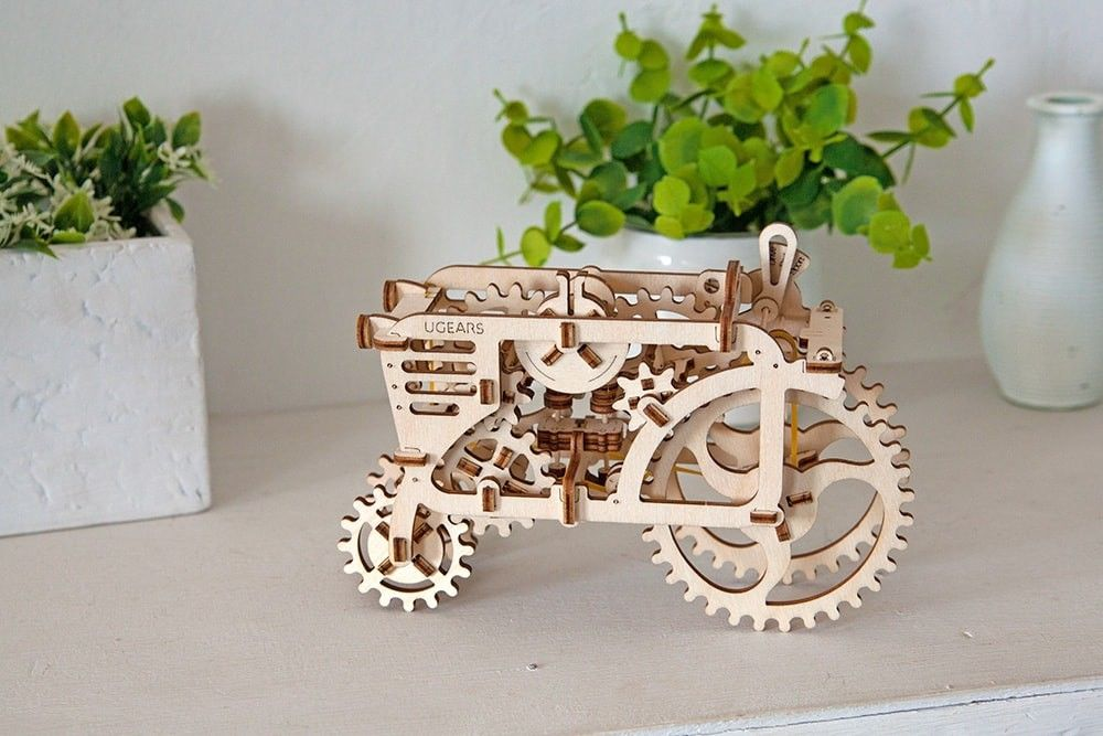 UGears  NO GLUE REQUIRED Antique Style Farm Tractor - 97 Pieces (Easy) UGR70003