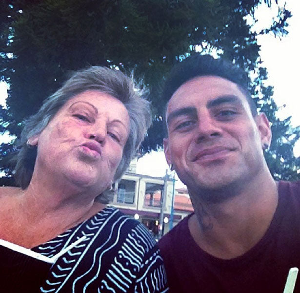 NRL's Reni Maitua Helps His Mum Make The Switch to e-Cigarettes!
