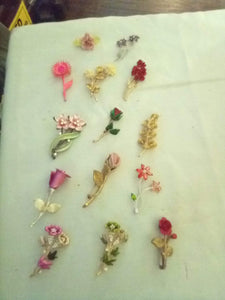 Lot of dressy and colorful floral broaches - B&P'sringsnthings