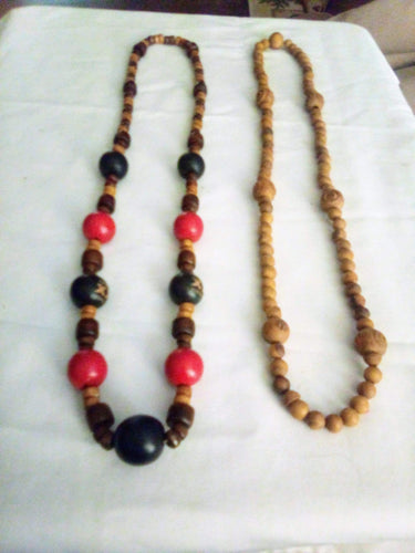 2 handmade wooden necklaces - B&P'sringsnthings