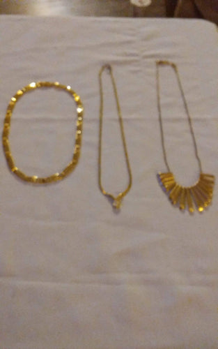 A 3 piece gold tone necklace lot - B&P'sringsnthings