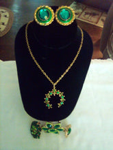 Load image into Gallery viewer, A beautiful green jewelry lot - B&P'sringsnthings