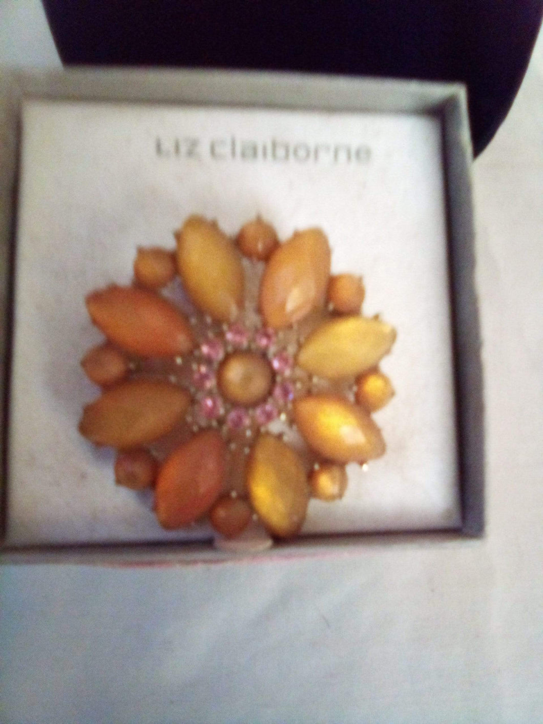 A Liz Claiborne broach new in box. - B&P'sringsnthings