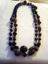 Load image into Gallery viewer, A long black beaded necklace - B&P'sringsnthings