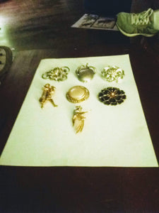 A rare vintage broach lot - B&P'sringsnthings