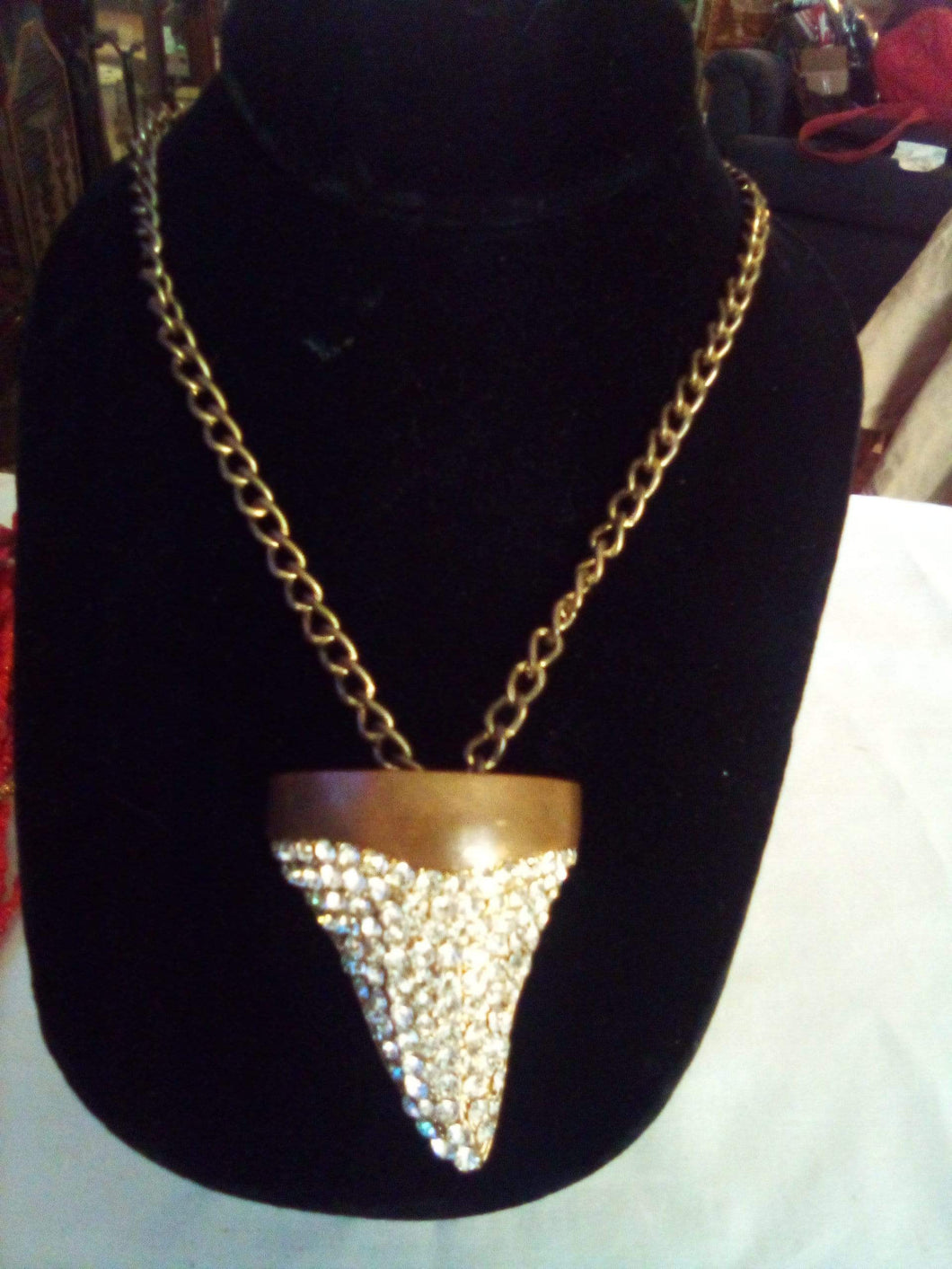 A shark tooth shaped necklace with crystals - B&P'sringsnthings