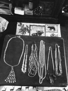 A silver tone large lot of vintage necklaces. - B&P'sringsnthings