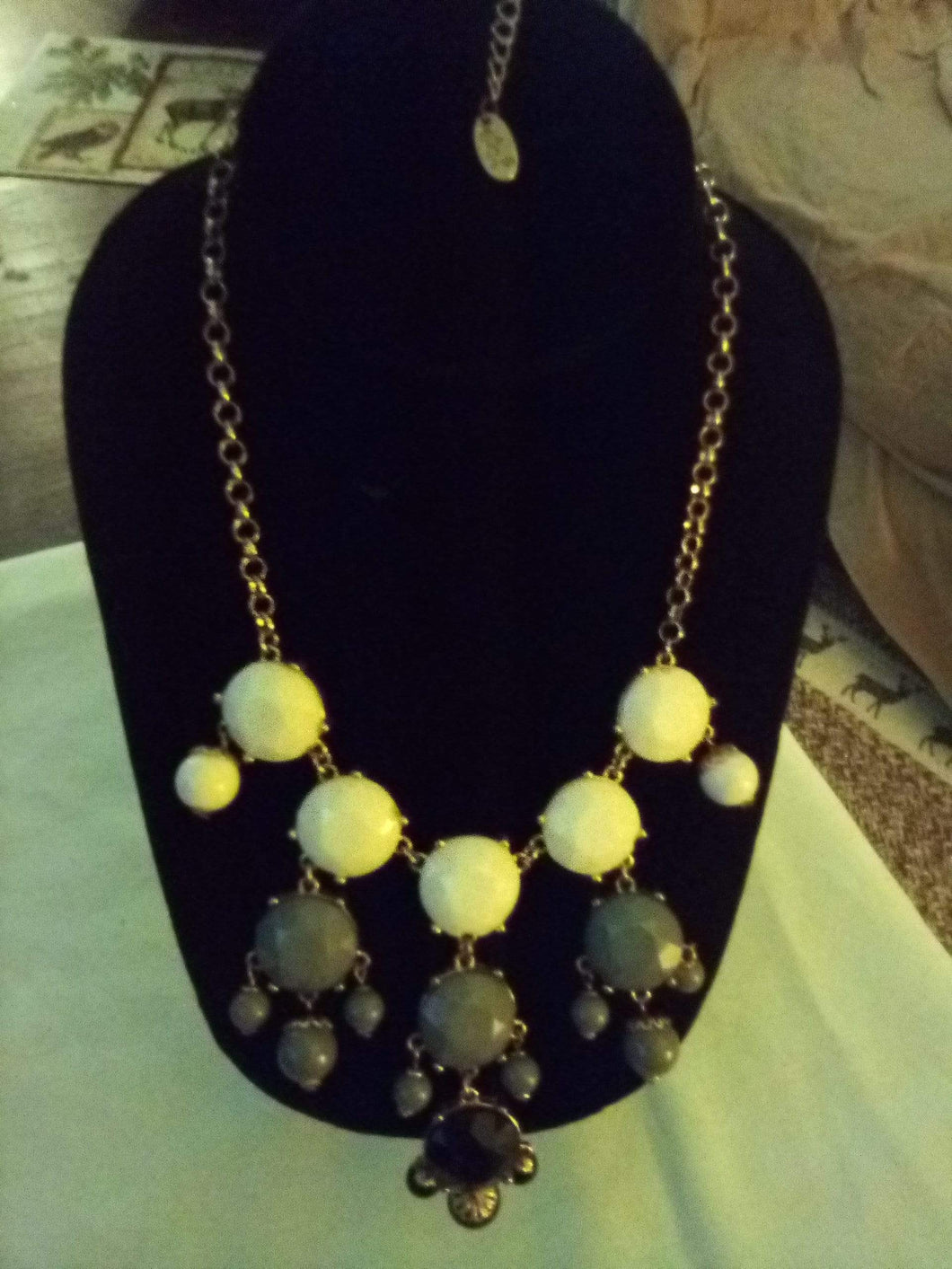 Beautiful 3 color dressy necklace - B&P'sringsnthings