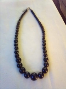 Beautiful black beaded necklace - B&P'sringsnthings