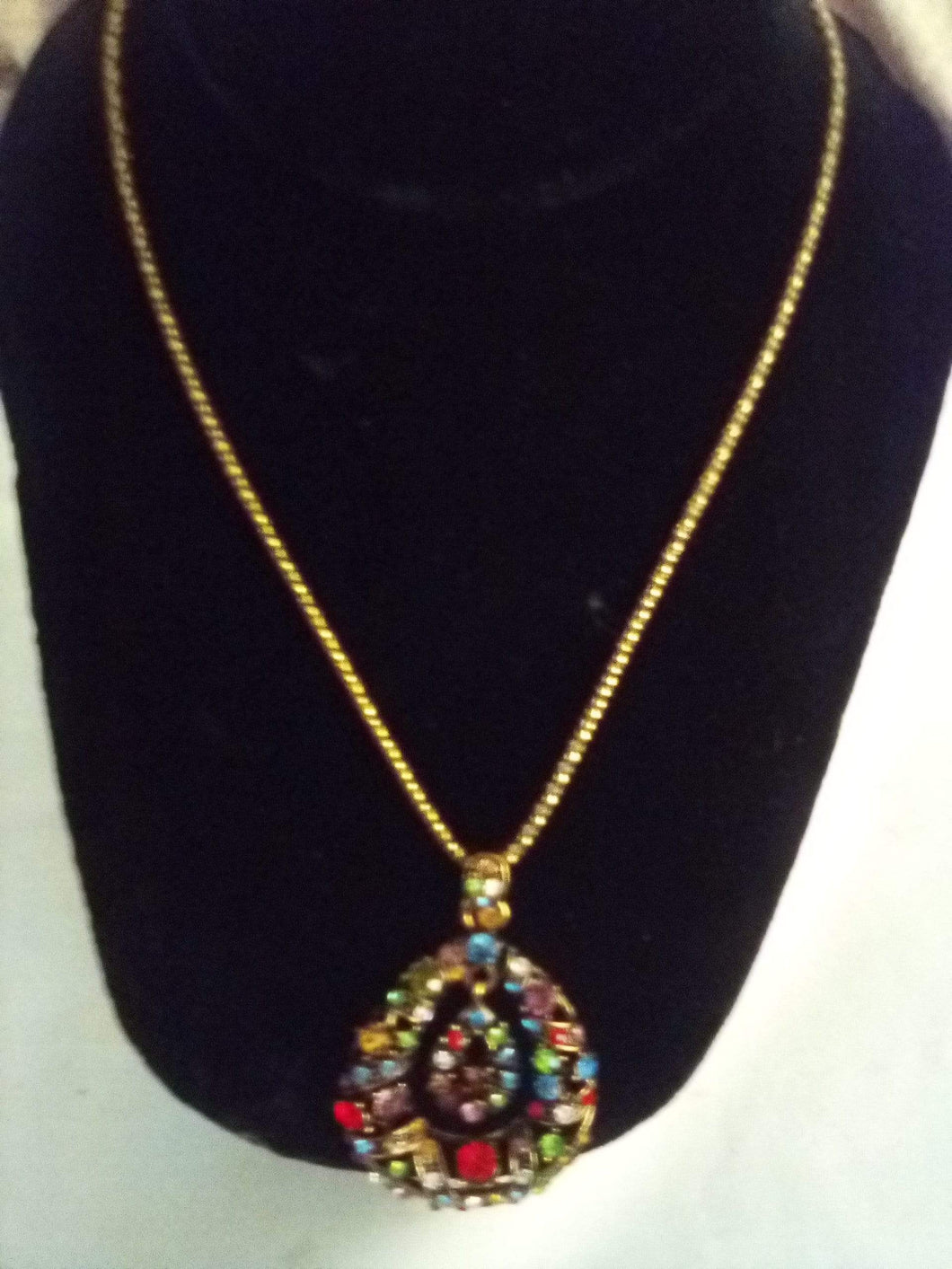 Beautiful necklace with chain and colorful pendent - B&P'sringsnthings