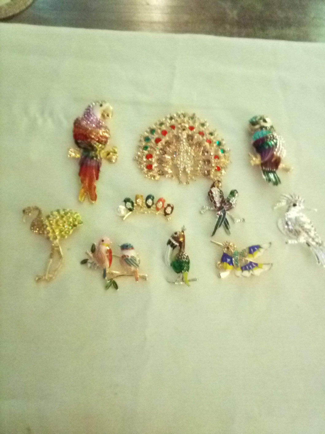Brand New elegant assortment of bird shaped broaches - B&P'sringsnthings