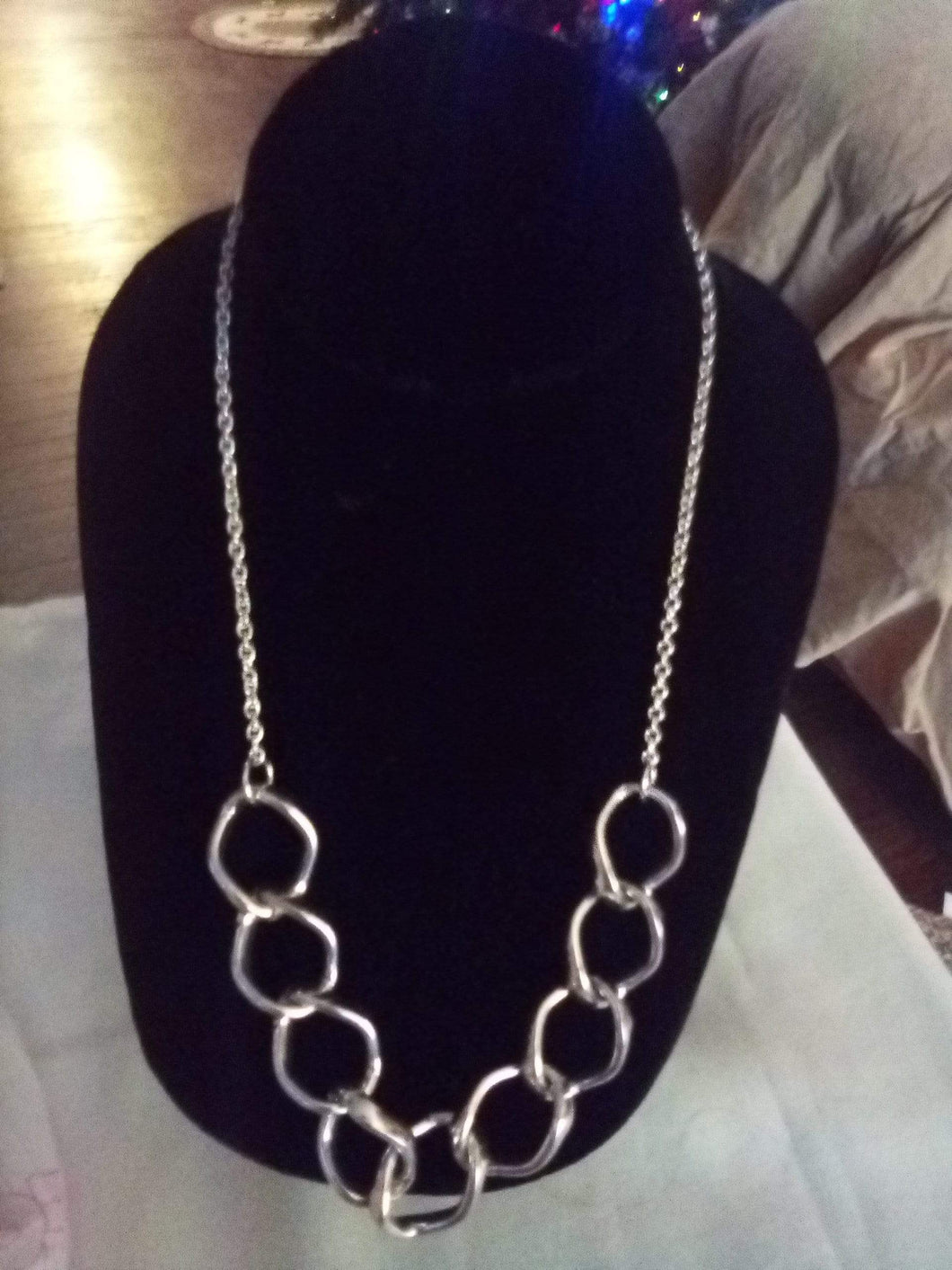 Casual silver tone necklace - B&P'sringsnthings