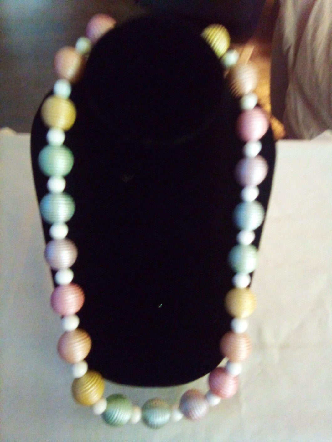 Colorful lightweight beaded necklace - B&P'sringsnthings