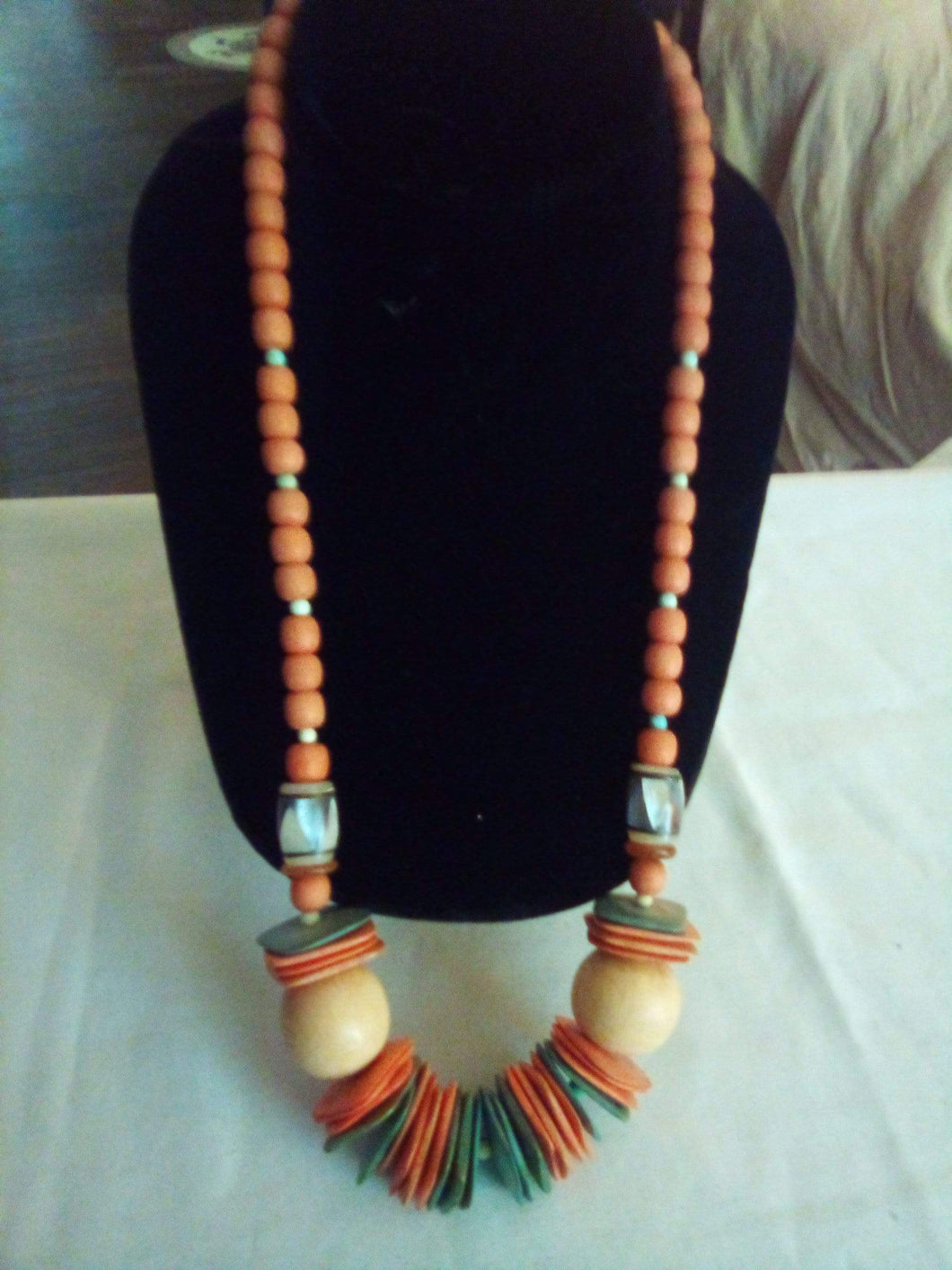 Colorful wooden necklace - B&P'sringsnthings
