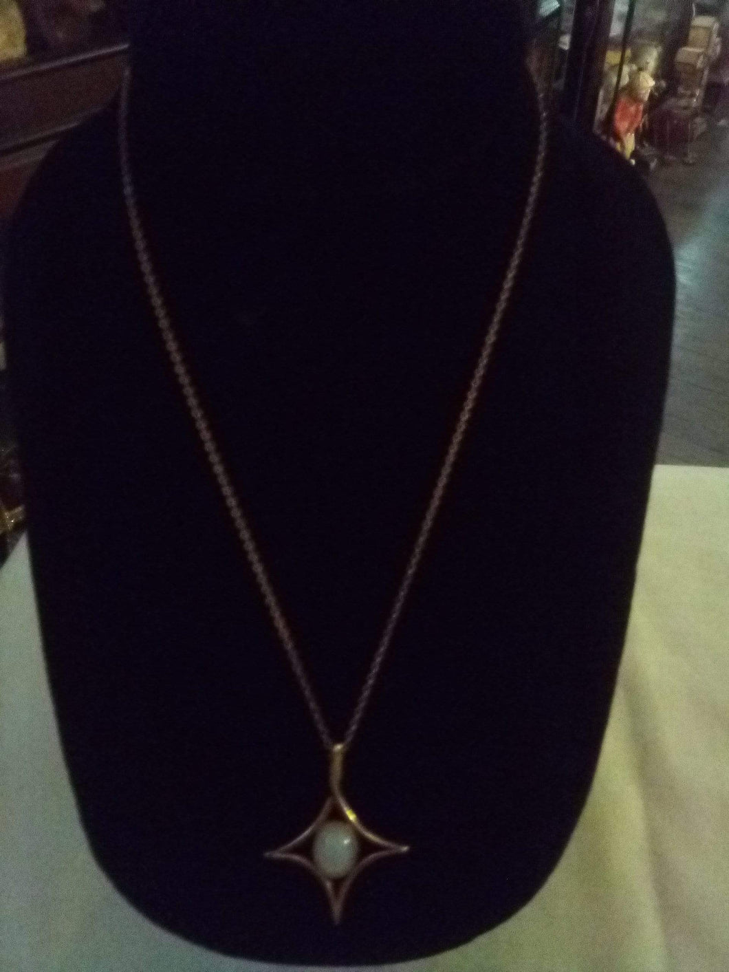 Cute necklace with pendent - B&P'sringsnthings