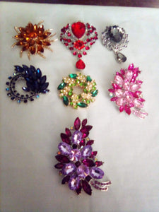 Delicate lot of shiny stoned broaches - B&P'sringsnthings