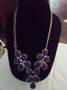 Dressy necklace with 3 attached pieces. - B&P'sringsnthings