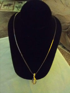 Gold tone chained necklace with pendent - B&P'sringsnthings