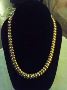Gold tone wide necklace - B&P'sringsnthings