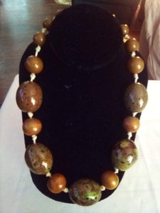 Heavy large stone beaded necklace - B&P'sringsnthings