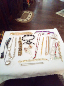 Large assorted jewelry lot for repair - B&P'sringsnthings