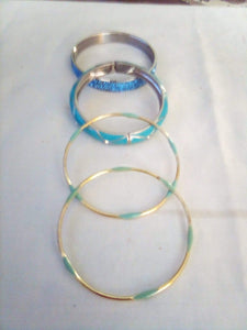 Lot of 4 bracelets with blue color - B&P'sringsnthings