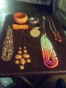 Lot of orange jewelry pieces - B&P'sringsnthings