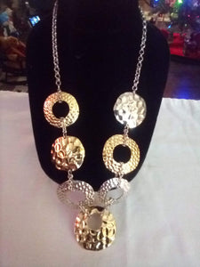 Neat chained necklace with one inch round pendents - B&P'sringsnthings