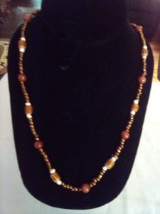 Nice beaded and wood necklace - B&P'sringsnthings