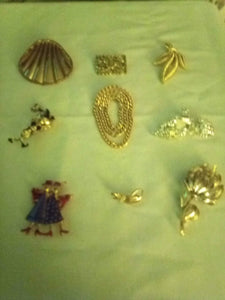Nice lot of silver and gold tone broaches - B&P'sringsnthings