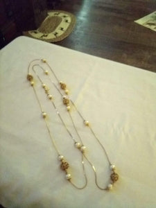 Pearl like gold tone dressy necklace - B&P'sringsnthings