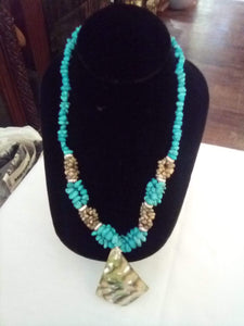 Pretty blue stone necklace - B&P'sringsnthings