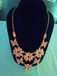 Pretty peach colored dressy necklace - B&P'sringsnthings